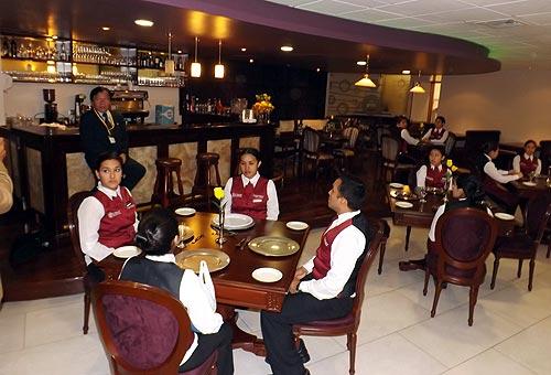 Sociedad Hoteles del Perú: Formación de profesionales de turismo y ...